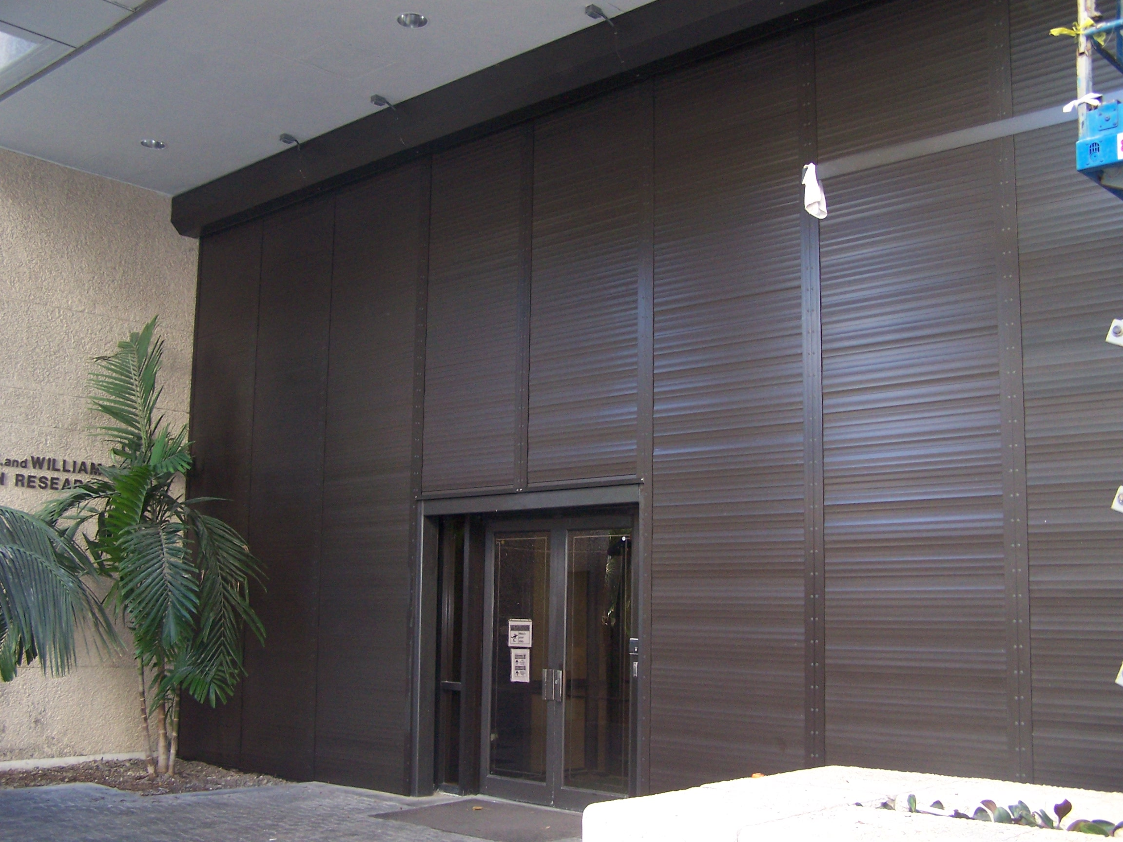 Roll Down Hurricane Shutters Lg Florida Contractors